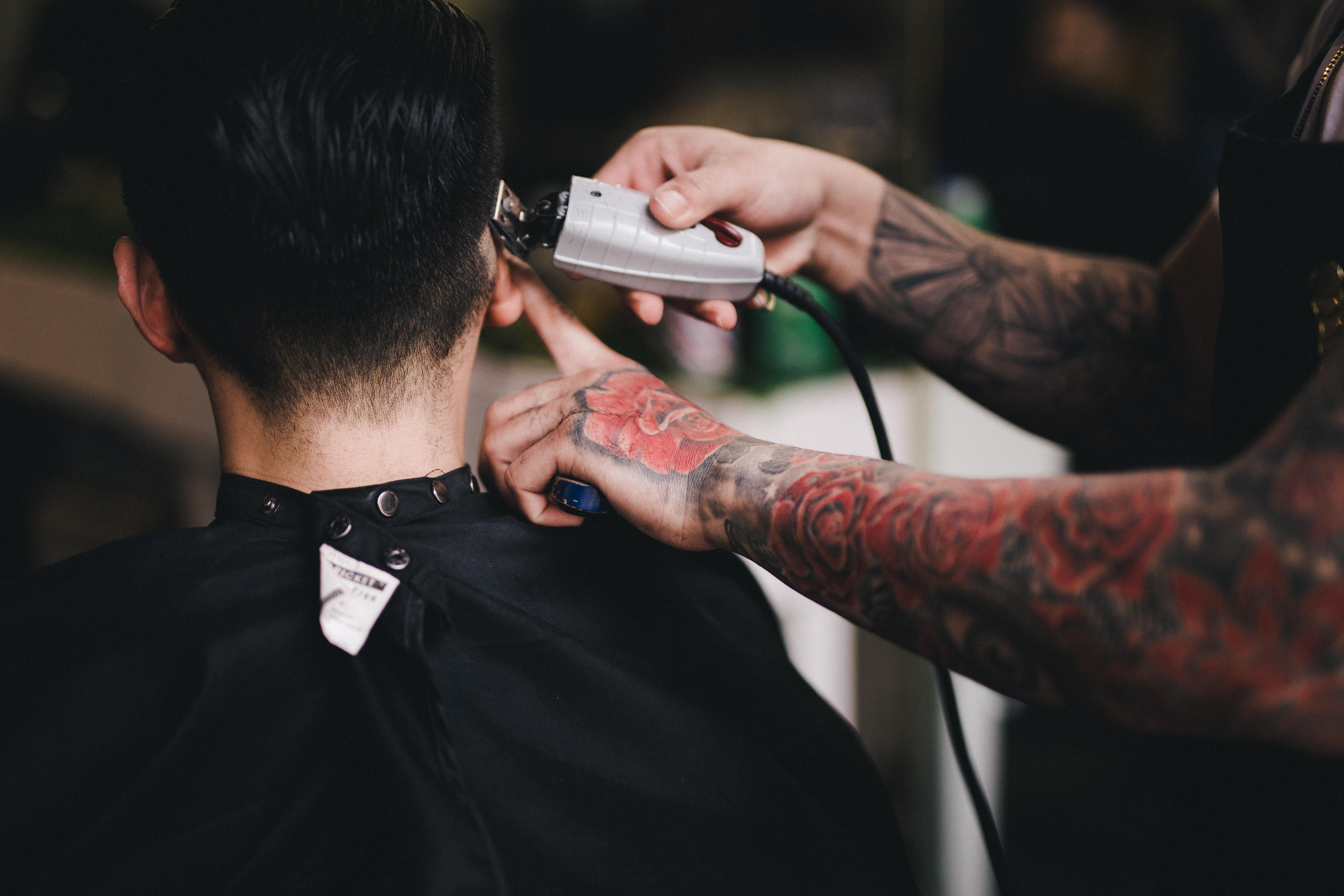 Uso de las redes sociales para atraer clientes a tu barbería
