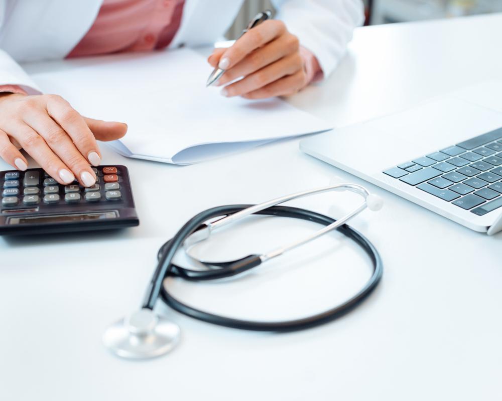 Compara el salario de los médicos en Estados Unidos y Latinoamérica